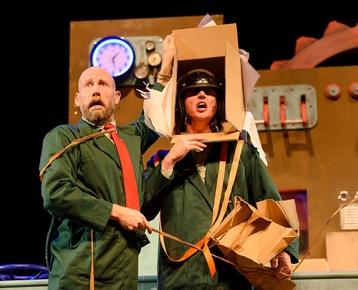 Afbeelding 3 Wachten op Kado - Theatergroep Graasland  **LAATSTE 100 PLAATSEN AANVANG 13.30 UUR**